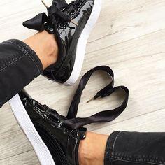 ♠️♠️ Les Puma sont bien vendues avec le lacet et le ruban ➰ #puma#pumaheart #heart #sneakers#sneakersaddict #black#basket#love#mood
