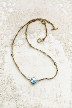 so im really loving dainty/ simple necklaces lately.... #UrbanOutfitters