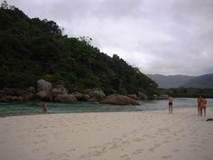 Piscininha natural depois do mangue, no que eu acredito ser o começo da Praia do Leste. Fomos só até aqui.