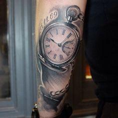 #pocketwatch #tattoo #tattoodesign #artwork #art #pocketwatchtattoo #realism @truecoloursanctuary