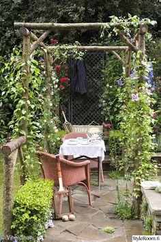 puutarha,oleskelupaikka,puutarhapöytä,puutarhatuoli,pergola