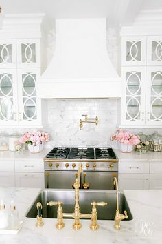 Home at last and decorating for fall! Um and doing laundry and grocery shopping and trying to stay awake! Kitchen sources can be found… Gold Kitchen, Home Decor Kitchen, Kitchen Interior, Home Kitchens, Luxury Kitchens, Küchen Design, Interior Design, Beautiful Kitchens, My Dream Home