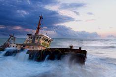 Wreck on Mahawewa, Sri Lanka cost by ViShWa on 500px