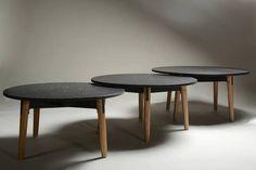 Busca imágenes de Salas de estilo moderno en negro: Mesa centro Hiru. Encuentra las mejores fotos para inspirarte y crea tu hogar perfecto.