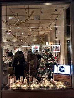 Scandinavian Christmas decorations, our blog and our decor - Pictures from Iceland. 4 different locations, our store: Systurogmakar and the designers homes, we love the cosy feeling of Christmas and overdo it every time! Christmas store decorations.