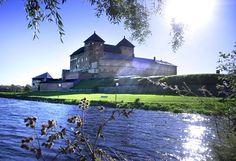 Hämeen linna perustettiin tiettävästi Birger Jaarlin tekemän ristiretken jälkeen 1200-luvun lopulla. Castle Pictures, Medieval Castle, Nostalgia, Around The Worlds, Mansions, House Styles, City, Castles, Nature