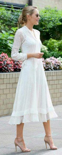 Básico vestido blanco o color claro
