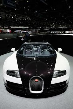 Bugatti Veyron Grand Sport by – En Güncel Araba Resimleri Bugatti Veyron, Bugatti Cars, Sexy Cars, Hot Cars, Supercars, Sexy Autos, Mercedes Sls, Audi, Mclaren P1