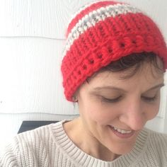 Simple Chunky Knit Hat – marni made it Drawing For Beginners, Knitting For Beginners, Personalized Christmas Gifts, Best Christmas Gifts, Knit Hat Pattern Easy, Chunky Yarn, Sewing Basics, Make It Simple, Knitted Hats