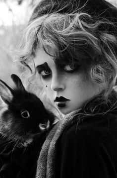 Alice in Wonderland / karen cox.Alice in Wonderland / karen cox. Makeup Inspiration, Character Inspiration, White Photography, Portrait Photography, Gothic Photography, Pierrot Clown, Chesire Cat, Dark Beauty, Belle Photo