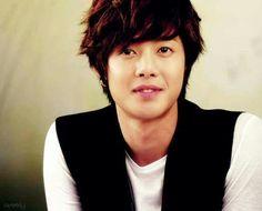 Kim Hyun Joong 김현중 ♡ half smile ♡ adorable ♡ Kdrama ♡ Kpop ♡