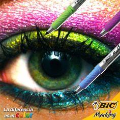 Los ojos son el espejo del alma, refleja todo el color que llevas con los tuyos. #LaDiferenciaEsElColor