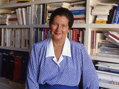 Simone Veil au Panthéon: la tragique disparition d'un de ses fils Simone Veil, Blazer, Stars, People, Fashion, Politics, Sons, Man Women, Men