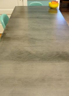 DIY concrete crafts are taking the world by storm. The versatility of concrete can really allow you to be unique and update your space. Diy Concrete Countertops, Formica Countertops, Countertop Materials, Cement Counter, Concrete Fire Pits, Concrete Table, Concrete Garden, Stained Concrete, Concrete Crafts