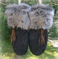 100% WOOL WOMEN'S Recycled Sweater Mittens - Fur Cuffed Grey Leather Fringe