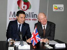 Visita del Ministro Británico, David Willetts a la ciudad de Medellín con el  objetivo de identificar oportunidades de cooperación entre el Reino Unido y Medellín, y conocer de primera mano los avances de la ciudad en educación, ciencia e investigación. [Foto: Olegario Martínez]