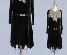 1920s Dress / Green Silk Velvet and Antique Lace Bib / S XS
