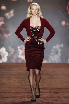 LORD CARDIGAN<br/>oxblood<br/>SCULPTURE DRESS<br/>plum