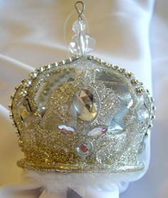 1000+ images about Crown Christmas Ornaments and Decor on ...