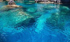 Image from http://cdn1.stbm.it/zingarate/gallery/foto/il-mare-e-i-laghi-piu-belli-d-italia/pollica-salerno.jpeg.