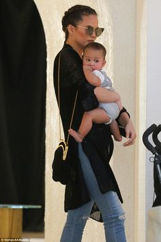 Model mom: As she shopped in LA, Chrissy took six-month-old daughter Luna out of the strol... Christine Teigen, Lip Sync Battle, Los Angeles Shopping, Six Month, Her Style, Celeb Style, Celebrity Moms, John Legend, Hello Autumn
