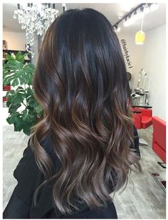 Ways to Make Your Caramel Hair Color Play for You