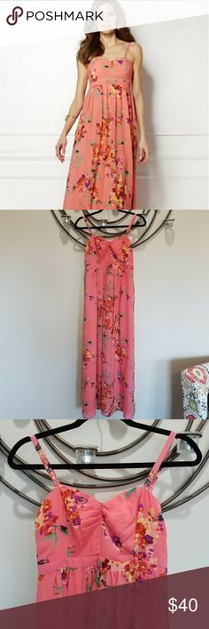 Floral Eva Mendes Maxi dress Love this dress. Only worn 1x. So comfy and pretty. It is Eva Mendes for NY &Co. Size 2 but could easily fit size 4. Like a small. Lined and adjustable straps. New York & Company Dresses Maxi