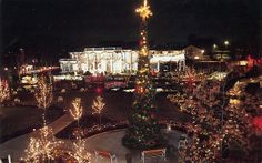 Christmas at (Conway) Twitty City Hendersonville TN by Edge and corner wear, via Flickr