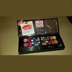 TROUSSE BOOK OF LOOKS 403803 #Nonapplicabile