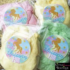 Aren't these Cotton candy favors just the cutest favors to give out at a unicorn birthday party or baby shower! The stickers are now available in the shop and they can also be made in a larger shape if needed! Unicorn Birthday Parties, First Birthday Parties, 2nd Birthday, First Birthdays, Birthday Ideas, Rainbow Birthday, Unicorn Food, Rainbow Unicorn Party, Unicorn Hair