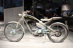 This is a motorcycled styled like a bicycle.  Gorgeous.  Just a concept  right now.  Yamaha please make!!