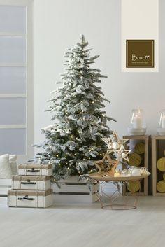 Albero di Natale innevato #brucostyle #italianstyle #modern