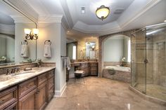 Luxury Master Bathrooms | Luxury master bath in South Charlotte home for sale