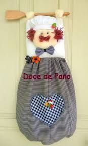 Kuvahaun tulos haulle puxa saco cozinheiro em patch passo a passo Doll Patterns, Sewing Patterns, Sewing Crafts, Sewing Projects, Grocery Bag Holder, Plastic Bag Holders, Craft Bags, Clothes Crafts, Clothing Alterations
