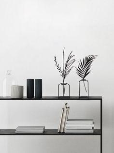 Modern Vase Metal Home Decor Vase Decor Interior Decor Etsy Minimalist Scandinavian, Minimalist Home Decor, Scandinavian Design, Minimalist Design, Minimalist Living, Modern Minimalist, Metal Design, Design Vase, Modern Interior Design