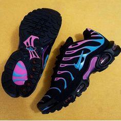 Kickz – Page 19 – Simply Boutiq 123 Cute Sneakers, Sneakers Mode, Sneakers Fashion, Shoes Sneakers, Nike Air Max Plus, Nike Air Max Tn, Souliers Nike, Tn Nike, Nike Free Run