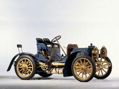 Mercedes 35 HP - an early car model designed in Autos Mercedes, Mercedes Benz Maybach, Retro Cars, Vintage Cars, Antique Cars, Carl Benz, Veteran Car, Daimler Benz, Classic Mercedes