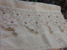Toalha para lavado com pérolas guipir e strass
