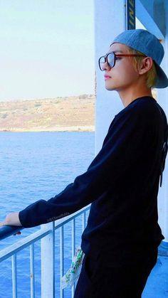Kim taehyung (v) Foto Bts, Bts Photo, Bts Taehyung, Bts Bangtan Boy, Daegu, Taekook, Bts Kim, Bts Bon Voyage, Bts Pictures