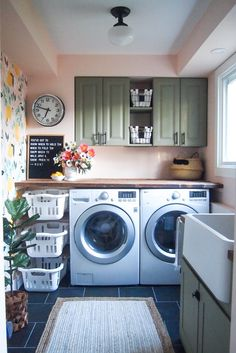 25 Ways to Give Your Small Laundry Room a Vintage Makeover Small laundry room ideas Laundry room decor Laundry room makeover Farmhouse laundry room Laundry room cabinets Laundry room storage Box Rack Home Laundry Room Remodel, Basement Laundry, Farmhouse Laundry Room, Laundry Room Organization, Laundry Storage, Laundry Room Design, Diy Storage, Organization Ideas, Storage Shelves