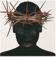 Katinka Lampe tooit de geportretteerden in haar nieuwste werk met religieuze symbolen zoals hoofddoekjes en doornenkransen. De bijzondere portretten zijn te zien op de expositie O You Who Believe in galerie Ron Mandos.