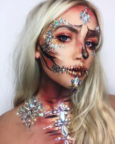 Halloween Inspo, Halloween Makeup Looks, Halloween Costumes, Dope Makeup, Face Jewellery, Face Jewels, Bold Brows, Unique Faces, Bare Face