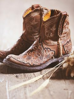 Old Gringo Queenwood Western Boot at Free People Clothing Boutique Boho Boots, Ugg Boots, Botas Boho, Shoes 2018, Over Boots, Leather Ankle Boots, Ankle Cowboy Boots, Short Cowboy Boots, Shopping