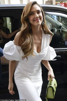 Jessica Alba looks ethereal in white, puff-sleeved dress in .-Jessica Alba looks ethereal in white, puff-sleeved dress in Rome Snag a handbag from Ferragamo like Jessica Alba - Jessica Alba Hot, Jessica Alba Dress, Celebrity Photos, Celebrity Style, Taurus, Looking Stunning, Beautiful Celebrities, The Dress, Ethereal