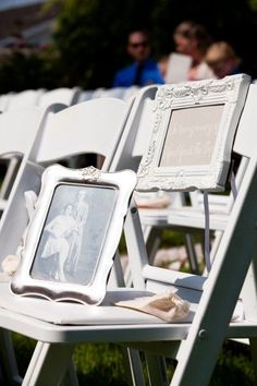 """In Memory"" Chair - it will be a really sweet way to honor those who can not be with you. I really love this idea for a Beach Wedding"
