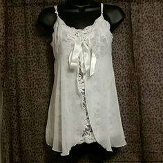 REDUCED! Victoria's Secret White Lace Lingerie NWT Super cute piece!!! Omg I love this. New with tags, never been worn. Size XS but could fit a Small as well! Love it! Victoria's Secret Intimates & Sleepwear Chemises & Slips