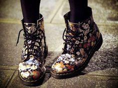 DR Martens boots....... i want them!