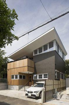 translation missing: id.style.rumah.modern Rumah by 株式会社建楽設計