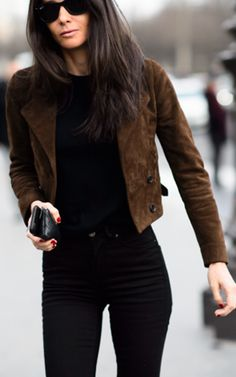 Barbara Martello Camel Suede Jacket On Black Fall Streetstyle Inspo by Mode d'Amour