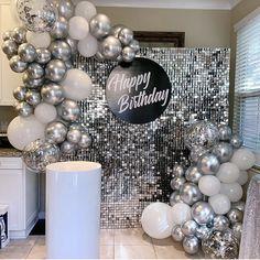 Disco Birthday Party, 50th Birthday Party Decorations, Birthday Backdrop, Balloon Decorations Party, Birthday Balloons, Birthday Parties, Decoration Chic, Birthday Goals, Ballon